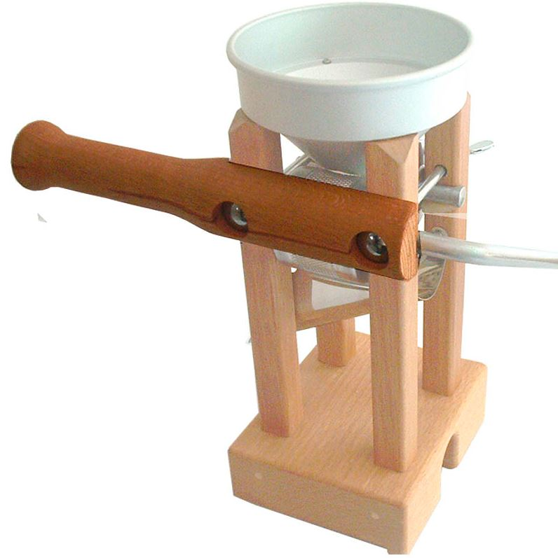 Eschenfelder Haltegriff für die freie Hand, gefertigt aus massivem heimischen Buchenholz für alle Korn-Quetschen Tischmodelle geeignet, die Schloßschrauben sind im Lieferumfang enthalten